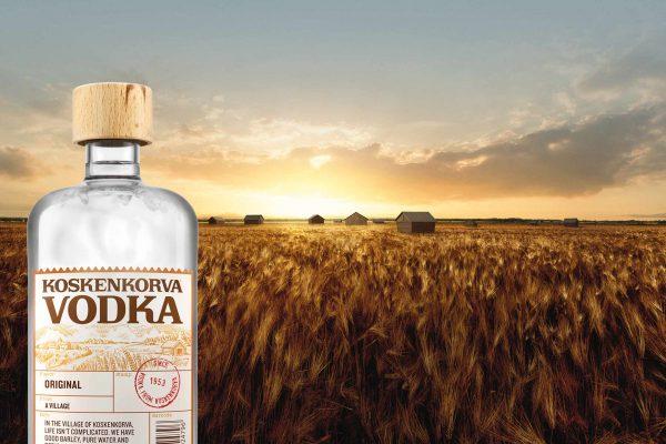 koskenkorva vodka pullo ja ohrapelto