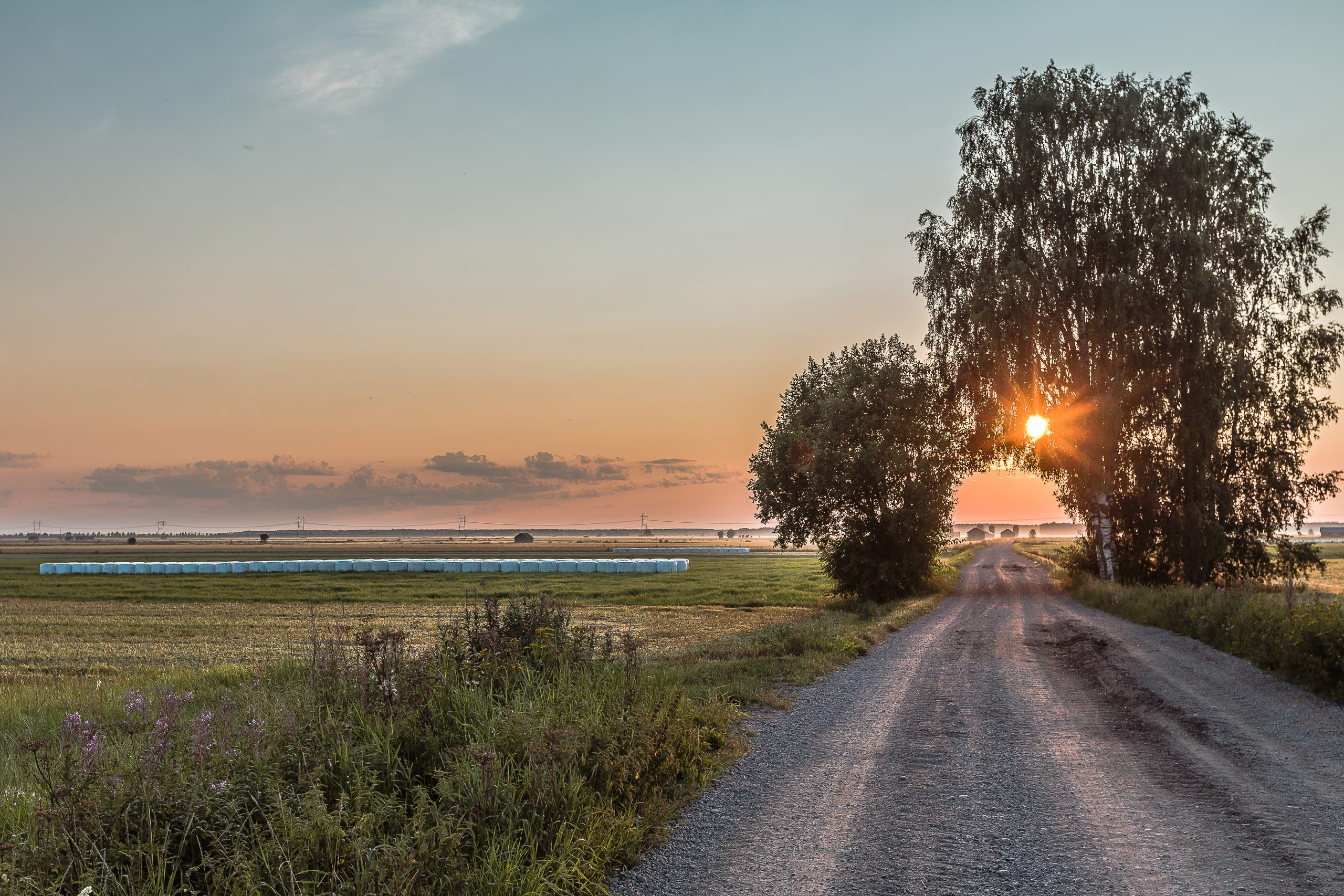 alajoki ja auringonlasku